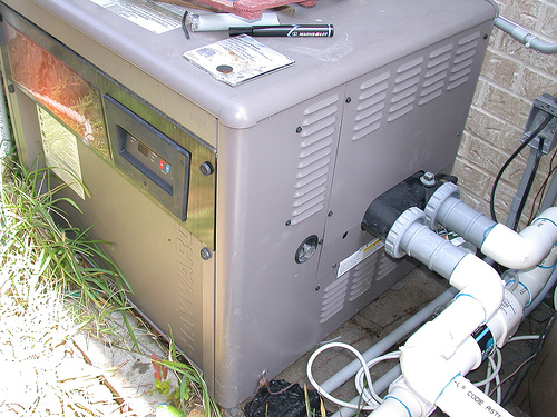 Knowing these 4 pool heater dangers could save your life for Garden pool heater